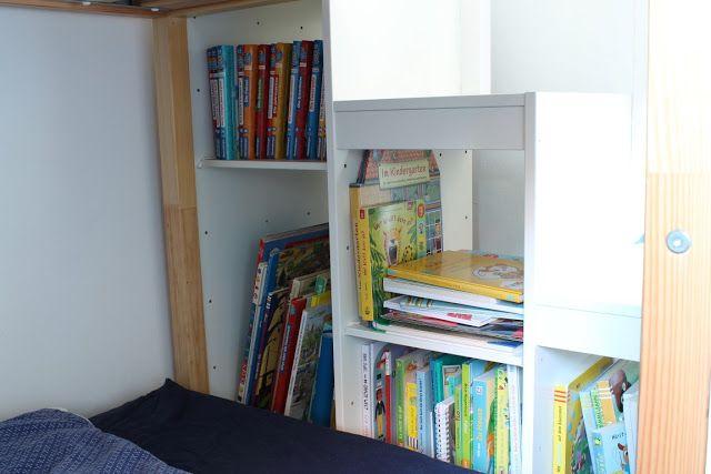 ikea kura bett hack ikea trofast b cherregal treppe hochbett kinderzimmer makeover nursery. Black Bedroom Furniture Sets. Home Design Ideas