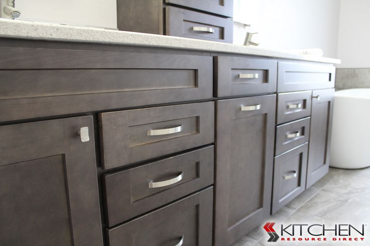 Close up of the Maple Charcoal finish  http://www.cabinets.com/kitchen-cabinets/deerfield-collection/shakerii-charcoal