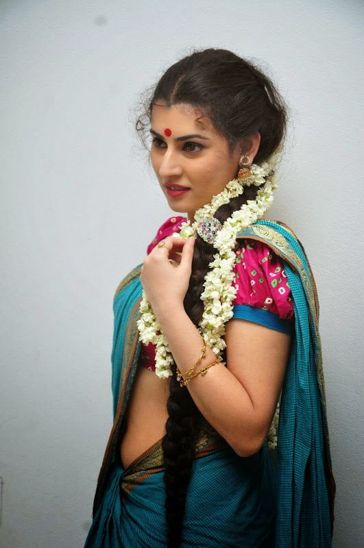 Archana Hot Low Hip Saree Below Navel SHow Photos | Indian Filmy Actress