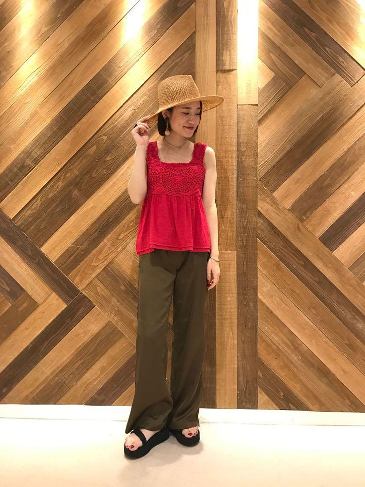 【夏はビビットカラー!】 クロシェ編みがとても可愛い、夏にも着れるニットキャミです♪
