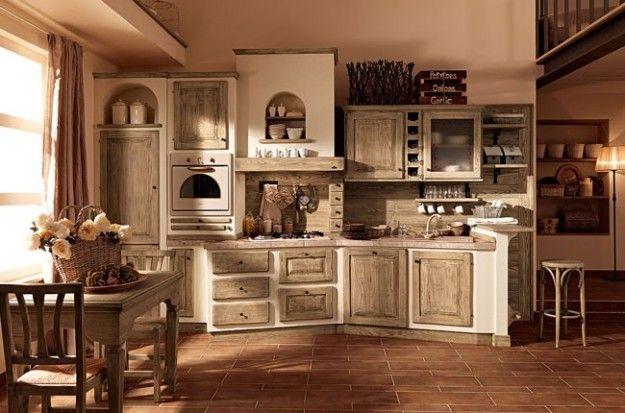 Cucina in muratura e legno chiaro