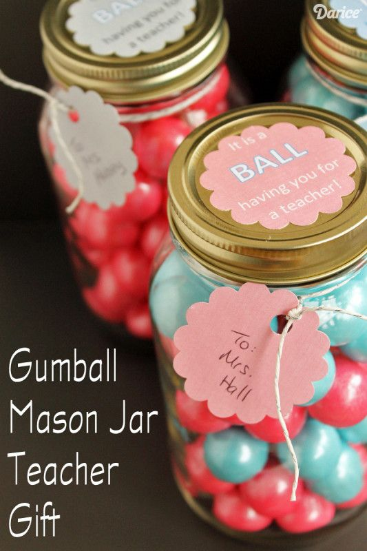 Teacher Gifts: DIY Gumball Mason Jars with Free Printables