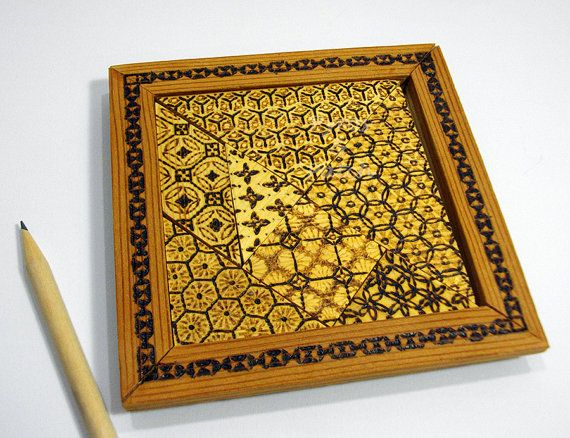 Tangram gioco in legno tagliati a mano e pirografia di PyrosePatch