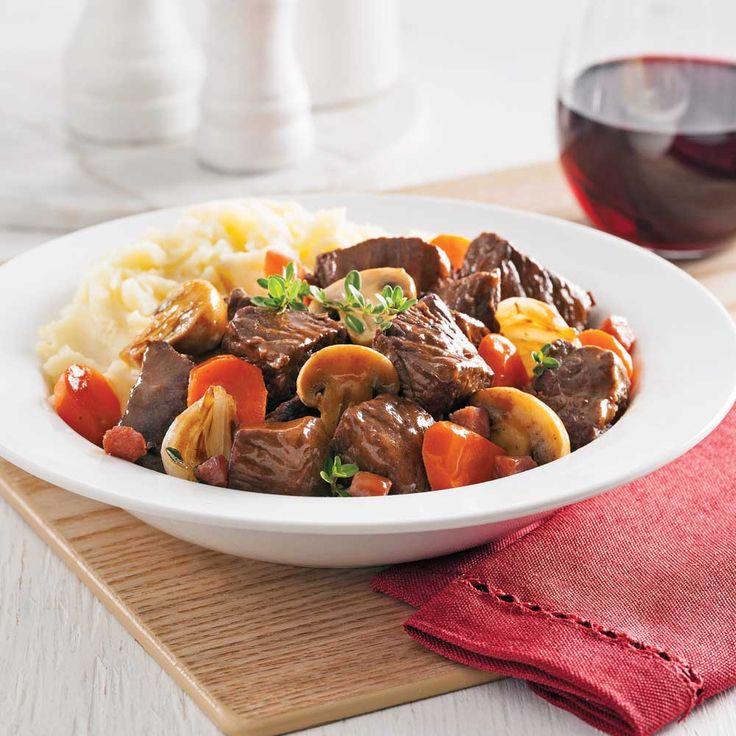 Grâce à cette version à la mijoteuse, cette recette traditionnelle se prépare en un rien de temps!