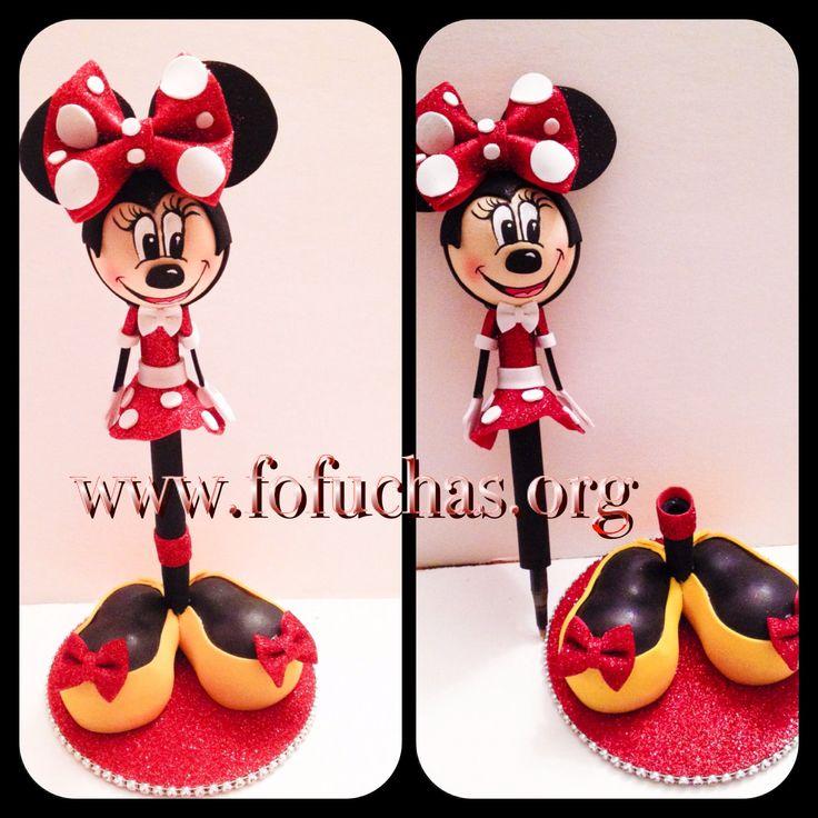 Minnie Mouse Fofucha Pen. Handmade using foam sheets. To order visit fofuchas.org or visit us and like us at facebook.com/fofuchashandmadedolls #MinnieMouse #fofuchas #kidscrafts