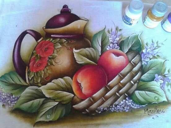 Cjaleira com maçãs