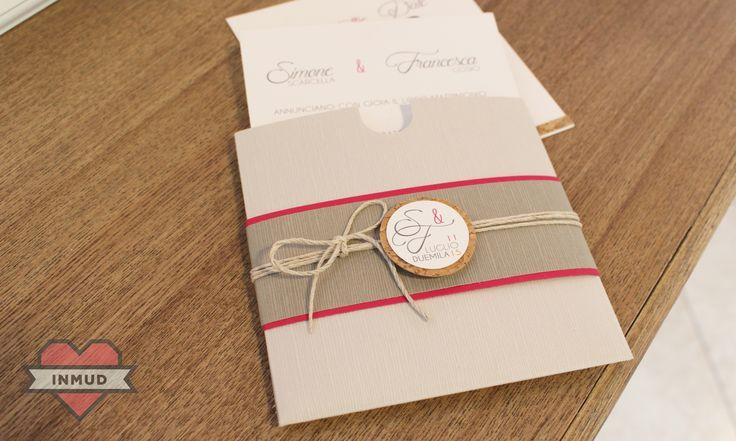Partecipazione di nozze con particolari in sughero.
