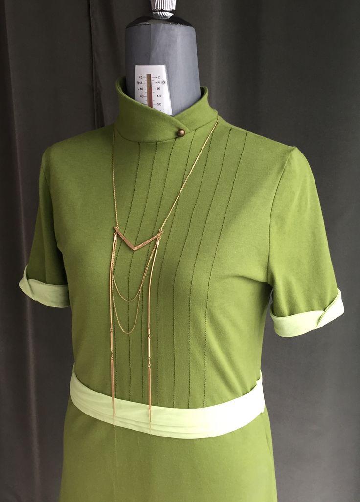 Ideare, progettare e realizzare in meno di una settimana un vestito del futuro 2047... Sfida rilevata e vinta!!!!!!!!  #abito #futuristico #futuro #artigianale #madeinitaly #lastanzadiofelia