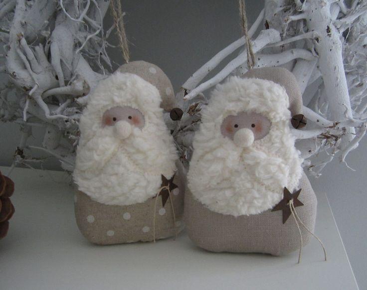 zwei Nikoläuse Weihnachten Landhaus von Feinerlei auf DaWanda.com, B/H ca. 13 x 9 cm, zus 17