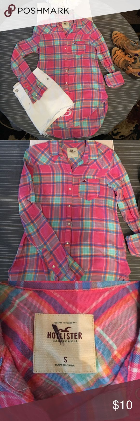 Hollister flannel Super bright colors adds a little flare to your traditional flannel shirt. Longer in length, great with leggings or skinnys. Hollister Tops Button Down Shirts
