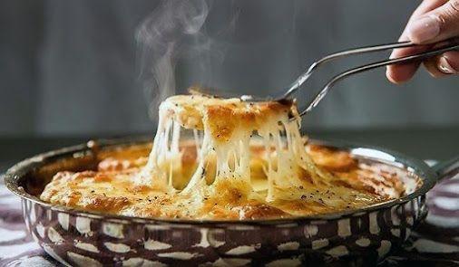 Super pečené sýrové brambory Můj děda říkával, že ze všech jídel na světě,…