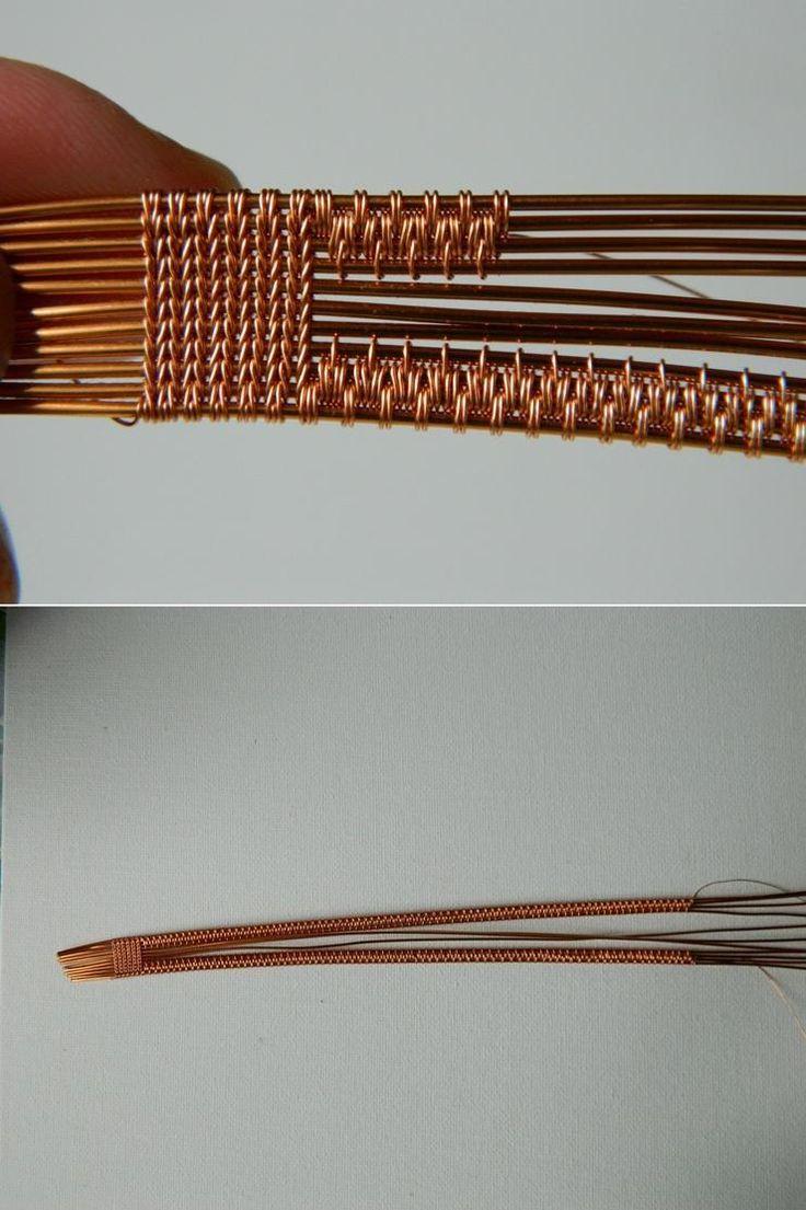 Браслет из проволоки в скандинавском стиле. Оплетаем четыре верхние проволоки, стараясь сохранить зеркальность.