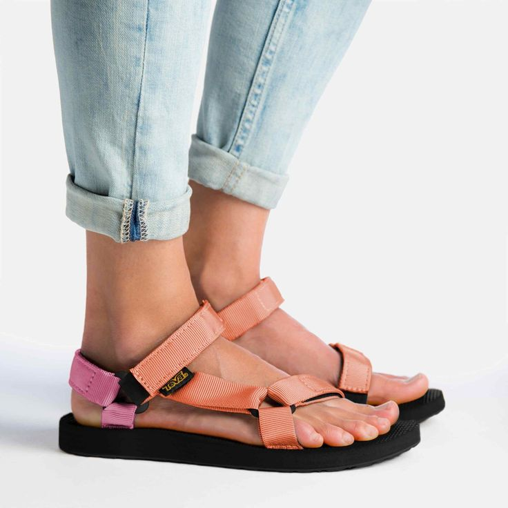 Shop the Women's Original Universal - Reintroducing one of our very first products, this retro sports sandal features classic water friendly design.