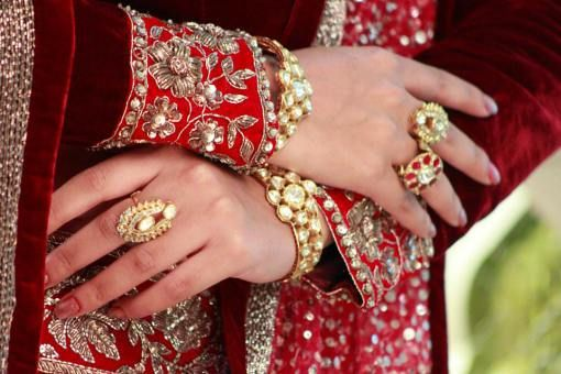 #Matching #accessories like baju bandh, #bracelets and rings  for the #brides to be.