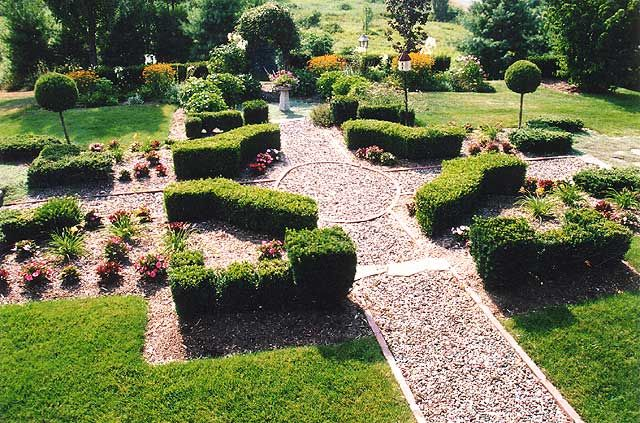 luxury garden in florida luxury gardens garden features pinterest. Black Bedroom Furniture Sets. Home Design Ideas