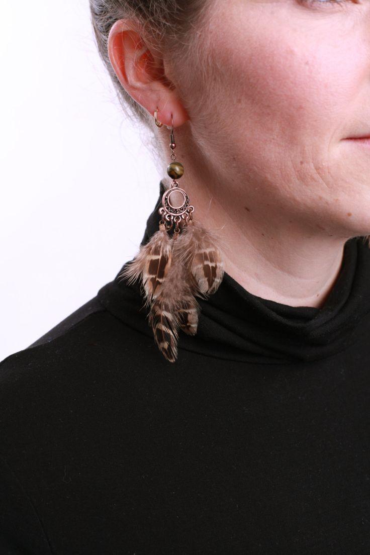 Boucles d'oreille en plumes naturelles brunes de faisan et oeil de tigre, Bohémien Hippie Ethnique by Noukshouk on Etsy