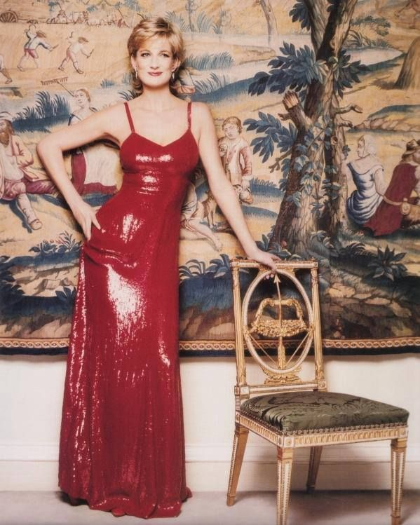 Red Dress - I think this is the best picture I've ever seen of Diana. She looks so relaxed and happy. There's just something about it.