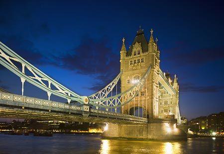 Tower Bridge, London   (© Corbis/Photolibrary)