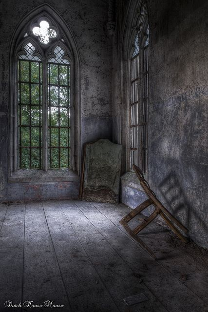 Mirror 'n Chair.. | Flickr - Photo Sharing!