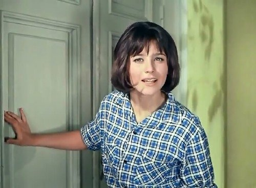 I love Nina and her Soviet-chic camp look in the Russian comedy classic, Kidnap in the Caucuses (Кавказская пленница).
