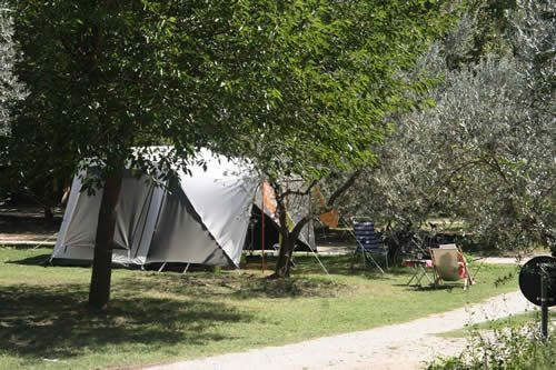 Kleine camping Il Falcone Umbrie Italië