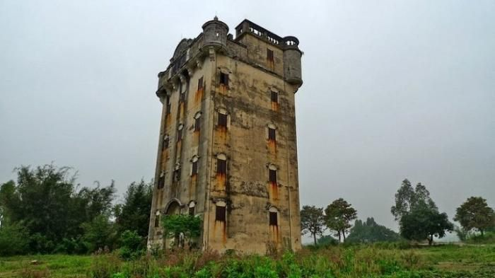 the tower house in China