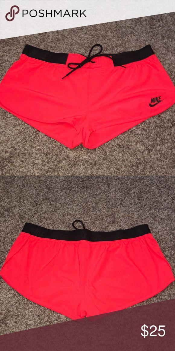 Nike Shorts Ein paarmal getragen, Shorts sind mir zu kurz Nike S …   – My Posh Picks