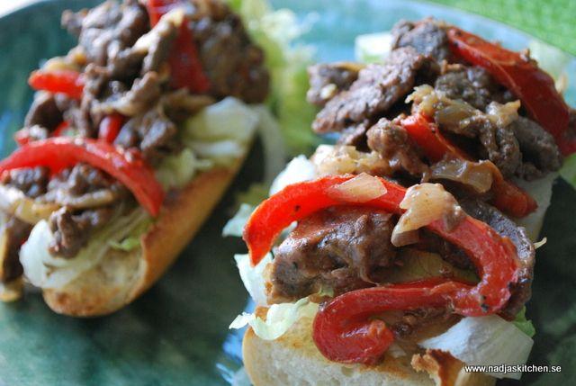 Detta recept på Philly Cheese Steak Sandwich är från mästerkocken Amirs kokbok Smart Skräpmat med Viktväktarna.