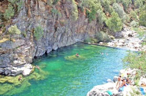 38 best espa a extremadura images on pinterest mon for Piscinas naturales barcelona