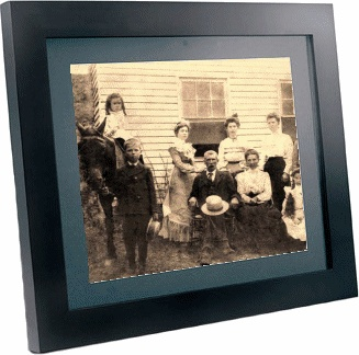 We transfer your photo albums to Digital Picture Frames