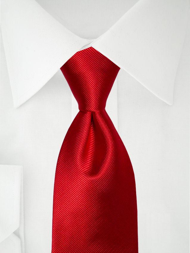 Rote Krawatte aus Seide