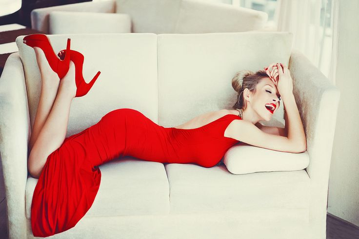 Velvet Red: Red Shoes, Colors Photography, Outfit, Red Dresses Shoes, Red Heels, Beautiful Dresses, Lady In Red, Pump, White Couch