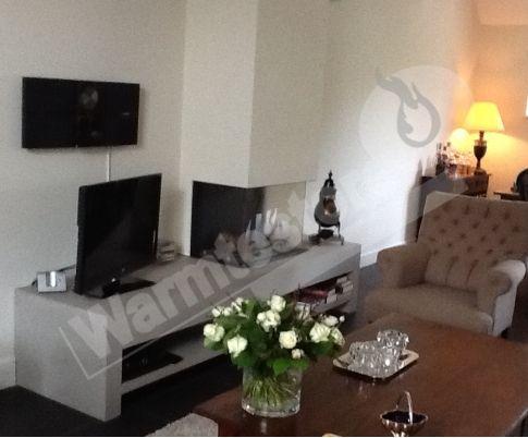 Huizen – #Faber Triple Premium M  Naar aanleiding van het bezoek van familie Buurman aan onze showroom in Kampen, hebben we deze prachtige opstelling mogen realiseren. De haard die hier geplaatst is, is de Faber Triple Premium M. Deze is gecombineerd met een prachtig plateau welke afgespoten in een ral-kleur. Zowel haard, plateau en installatie is door Warmtestore verzorgt. #Gashaard #Fireplace #Fireplaces