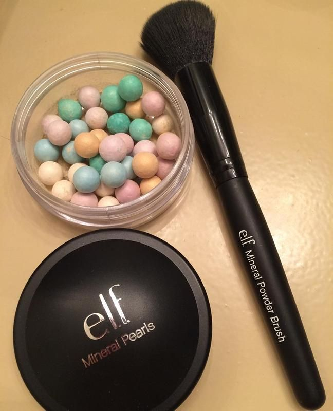 Skin Balancing Mineral Pearls and Mineral Powder Brush - the perfect way to balance redness this winter!