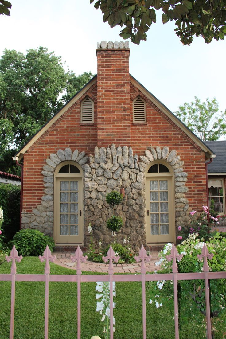 17 best images about brick and stone exteriors on for Brick cottage house plans