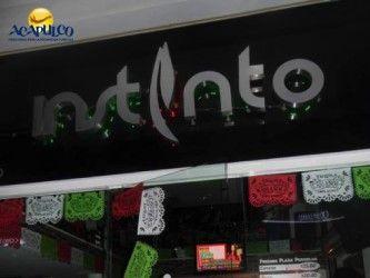 #antrosdemexico Pasa una noche inolvidable en Instinto Night Club de Acapulco. ANTROS DE MÉXICO. Instinto Night Club es un excelente bar que puedes visitar en Acapulco, para pasar una noche de completa diversión, ya que cuenta con diferentes promociones los jueves y viernes y el mejor rock del Puerto, los sábados. Te invitamos a visitar la página oficial de Fidetur Acapulco, para conocer más información.