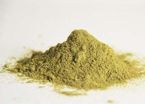 Masque pour peau grasse et brillantes.  Si vous souhaiter matifier votre peau sans trop de produit chimique alors ce masque est fais pour vous il est a base de miel et d'argile verte.