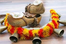 Carnaval de Binche -l'apertintaille et les sabots du Gille