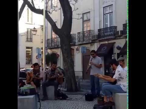 Lizbon - Sokak Sanatçıları ve Aşkı-Memnu - YouTube