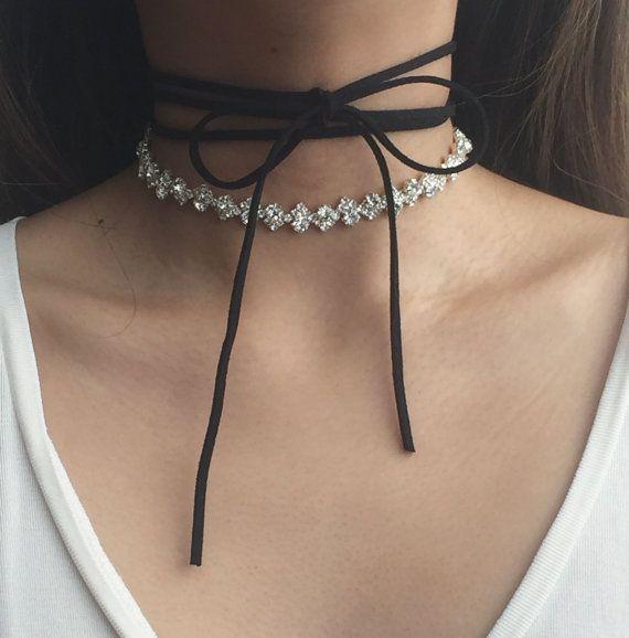 Dreifach-Tie Wildleder Ribbon Choker / Crystal Straßkette Anweisung - Elle