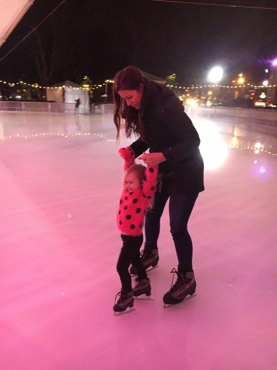 Mom Life Monday's: Ice Skating  | kids activity | kids activities | ice skating with kids | tips on ice skating | winter kids activities | toddler activity ideas | fun thing to do dir winter  | family life || The Flexman Flat