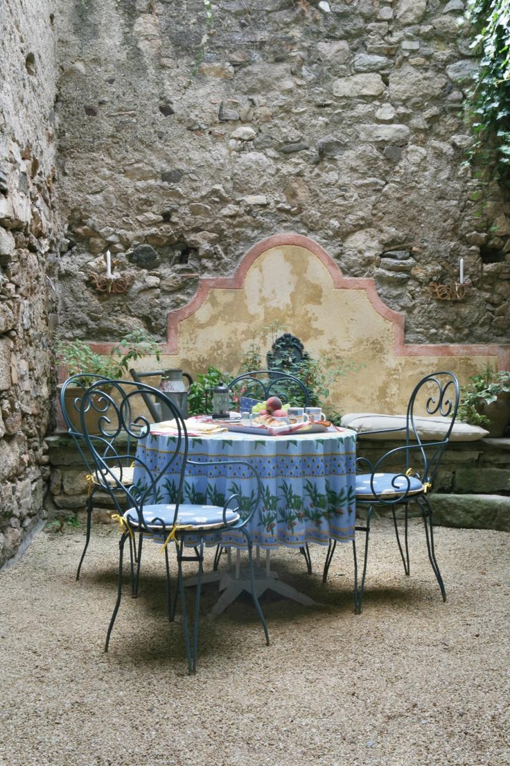 French country garden bench - Al Fresco Caunes Minervois Languedoc France