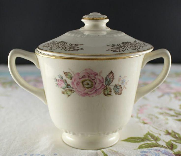 Queen Esther Sugar Bowl - Homer Laughlin