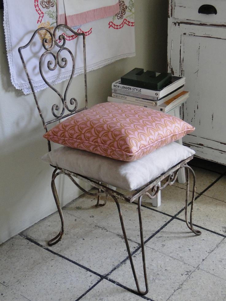 17 mejores ideas sobre sillas de hierro forjado en for Sillas para jardin de herreria