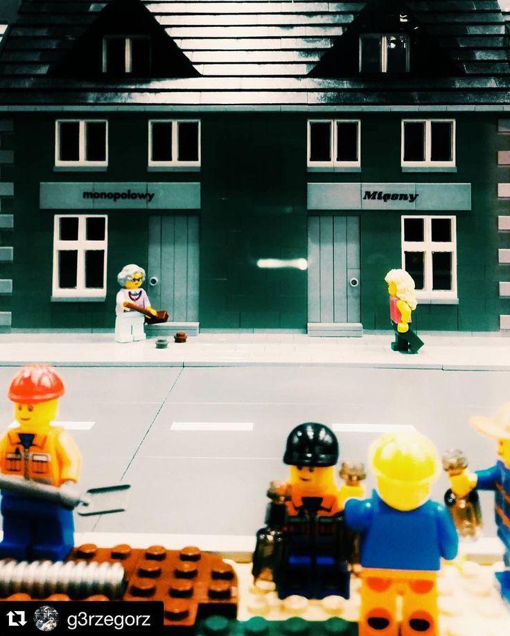 W najlepsze trwa wystawa #LEGO w #MilleniumHall. Największa w Polsce, czyli blisko 100 makiet i 1000mkw ekspozycji - w tym największy samolot z klocków LEGO! Zapraszamy na poziom 1 #TwojeMiejscewRzeszowie #zakupy #wystawa #kultura #rozrywka #klocki #fun <3