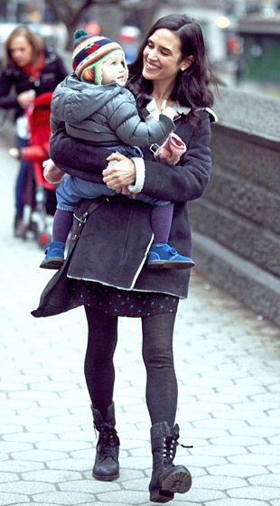 "Jennifer Connelly leaves the set of ""Winter's Tale"" w/her daughter Agnes on Jan.14,2013"