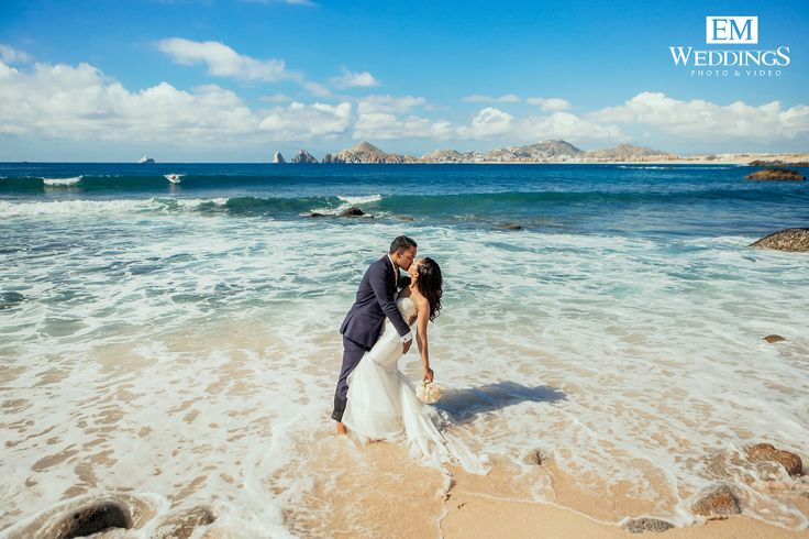 Trash the dress at Misiones del Cabo beach. #emweddingsphotography #destinationweddings