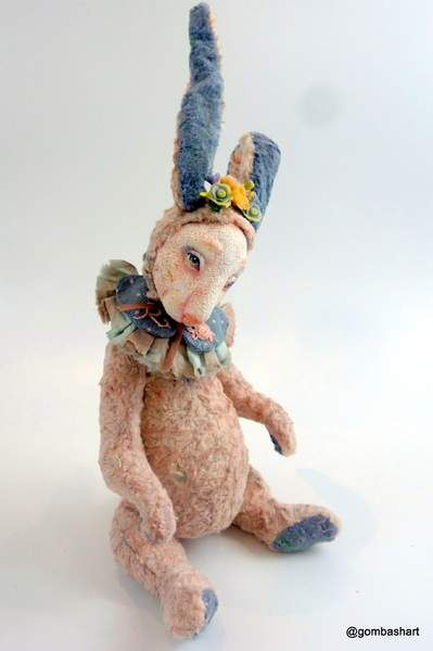 Bunny Perl By Tatiana Gombash - Bear Pile