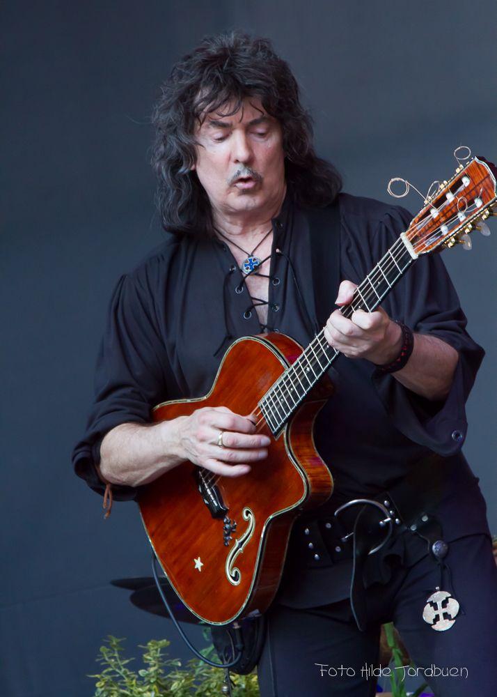 Ritchie Blackmore on Pinterest | Night, Deep Purple and Night ...