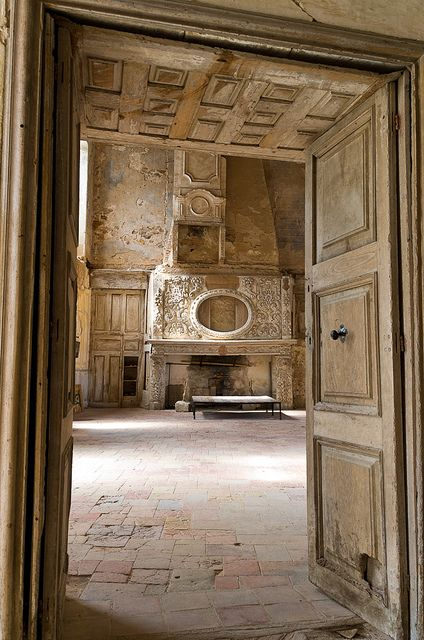 Salon of the Old Castle, Bruniquel, France